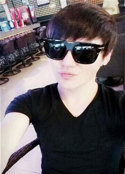 JYJ-s-Kim-Junsu-updated-fans-w-8144-8542