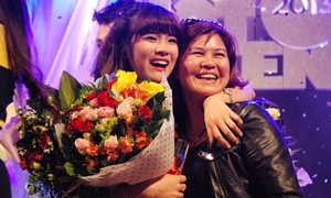 Chibi Hoàng Yến nức nở nhận danh hiệu đại sứ tuổi teen