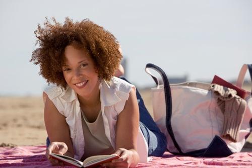 Khoa học đã chứng minh, đọc sách thực sự có thể giúp bạn giảm căng thẳng đấy.