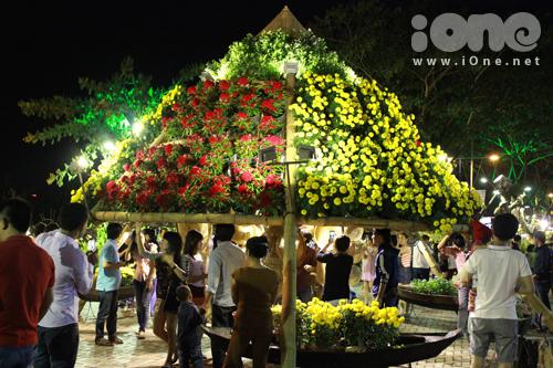 Đường hoa dài 700m là điểm đến của người Sài Gòn những ngày cận Tết, trước khi đường hoa Nguyễn Huệ khai mạc