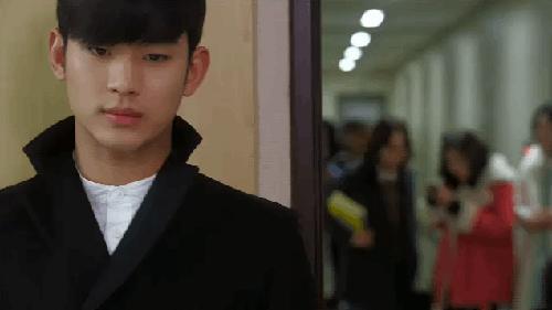 Không may rằng anh chàng Min Joon đã đọc được tin này và trở nên bực bội khó chịu khi nghĩ đến tin đồn tình cảm của Song Yi và Hwi Kyung.