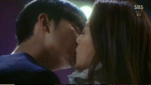 Những câu chuyện lãng mạn của cặp đôi sẽ còn tiếp tục vào tối thứ 4,5 tuần sau trên kênh SBS.