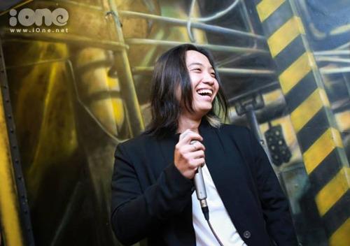 Chàng đạo diễn 9X Đặng Long.
