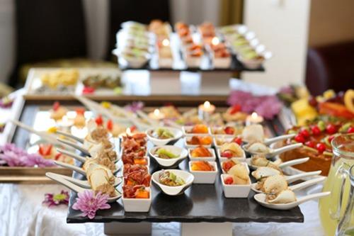 Hãy biết cách lựa chọn khi đứng trước một bữa buffet ê hề cũng như trong cuộc sống.