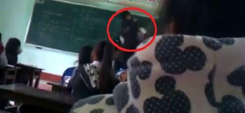 [Caption]Lãnh đạo Sở GD-ĐT Bình Định cho rằng việc thầy trò ẩu đả trên bục giảng là hình ảnh rất phản cảm