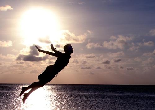Hãy khám phá cuộc sống như một đứa trẻ với toàn bộ sự háo hức và nhiệt tình của bạn. Ảnh: Wordpress