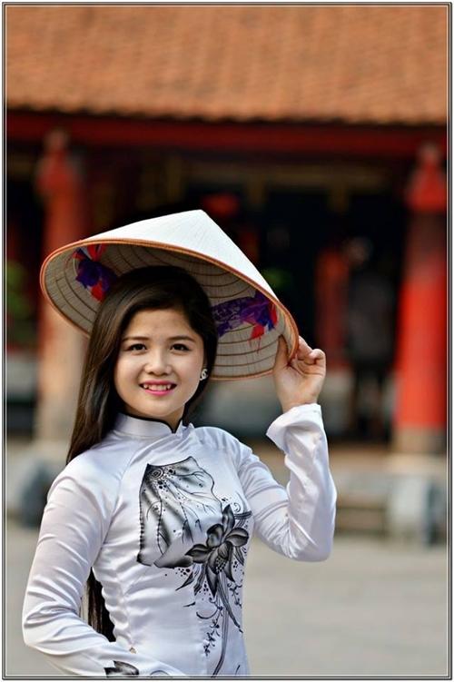 hot-girl-ban-thit-heo-1-4197-1392871656.
