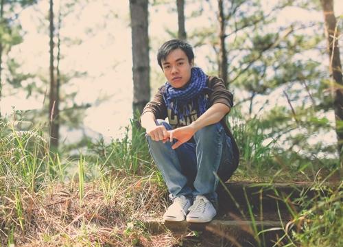 Nguyễn Kei (tên thật Nguyễn Tấn Phát), sinh năm 1991, hiện là nhiếp ảnh gia tự do. Thời gian qua, cậu bạn này tạo được sự thu hút trong cộng đồng LGBT Việt Nam khi đăng tải bộ ảnh mang tên Do you believe in love? ghi lại những khoảnh khắc hạnh phúc của các cặp đôi đồng tính.