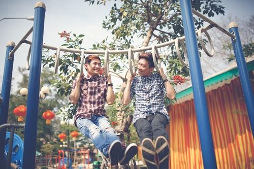 Những cặp đôi đồng tính rất ngại thể hiện tình cảm  trước ống kính nên mình phải tốn khá nhiều shoot ảnh để có những khoảnh khắc lãng mạn, ưng ý nhất, Kei chia sẻ.