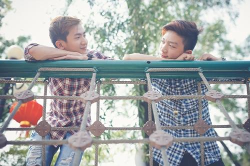 Minh Phúc (Zeng Wu, sinh năm 1990) và Hữu Lộc (Genz, sinh năm 1992) là cặp đôi đầu tiên mở màn cho dự án của Kei. Couple này đã quen nhau hơn một năm nhưng vẫn chưa công khai chuyện tình cảm vì cả hai muốn chờ công việc ổn định và có thêm thời gian để tạo lòng tin với gia đình.