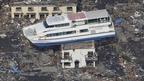 Thảm họa động đất - sóng thần ở Nhật là cơn ác mộng chưa thể nguôi ngoai. Ảnh: