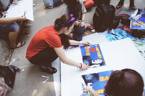 đặc biệt các fan rất là khéo tay để thiết kế những Poster & banner cực kỳ xinh xắn