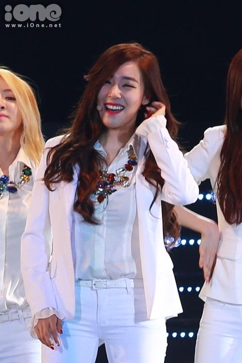 Tiffany khoe mắt cười - điểm mạnh hớp hồn fan của cô nàng.