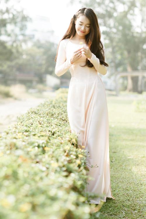 Trong thời gian quay phim ở Hàn Quốc, cô nàng tranh thủ chụp bộ ảnh gửi tặng fan quê nhà. Trong