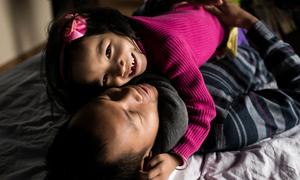 Bộ ảnh 'Người cha Việt Nam' gây xúc động mạnh