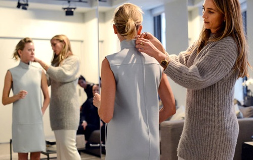 Nghề stylist được nhiều bạn chọn lựa vì cơ hội việc làm lớn, được tiếp xúc với ngành giải trí. Ảnh minh họa: Ngôi Sao.