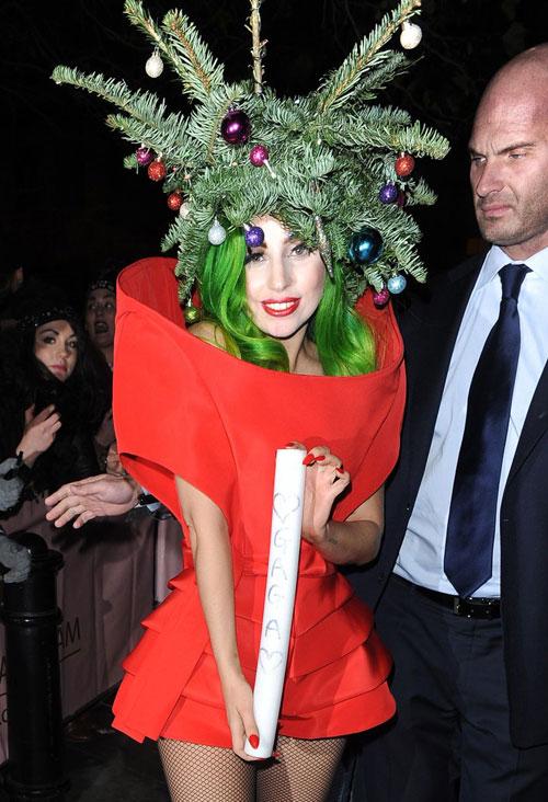 15 hình ảnh quái dị nhất của Lady Gaga năm qua