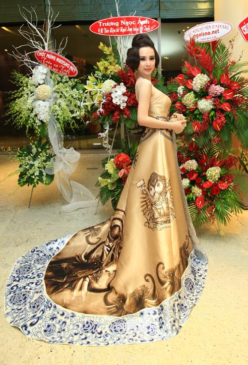 angela-phuong-trinh-7541-13981-1224-4100