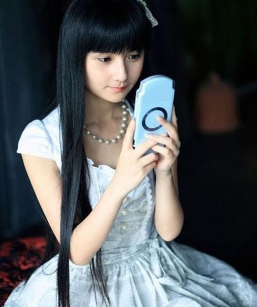 my-nhan-khong-tuoi-2.jpg