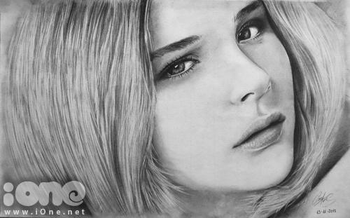 Tính từ tác phẩm đầu tiên được thực hiện vào tháng 1/2013, đến nay Sơn Tùng đang sở hữu bộ sưu tập hơn 40 bức tranh truyền thần tả thực và 30 bức kí họa chân dung. Ngoài vẽ tặng bạn bè, người thân, Tùng thường vẽ một số diễn viên nổi tiếng như Emma Watson, Chloe Grace Moretz...