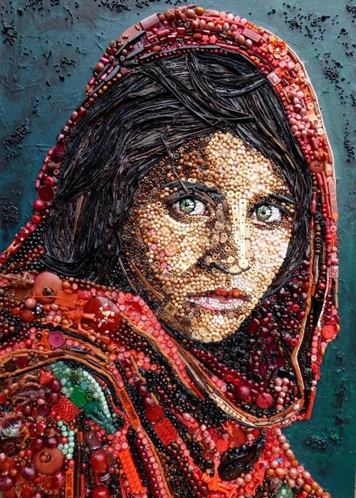 Một cô gái người Afghanistan.