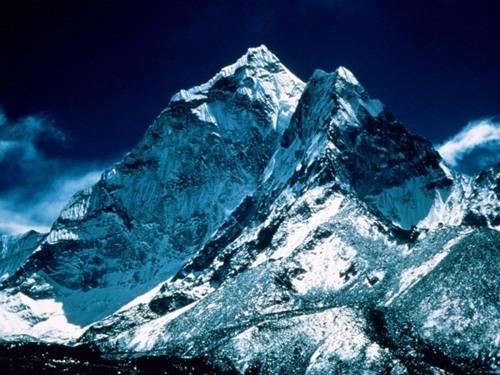 Mt-Everest-6486-1399043464.jpg
