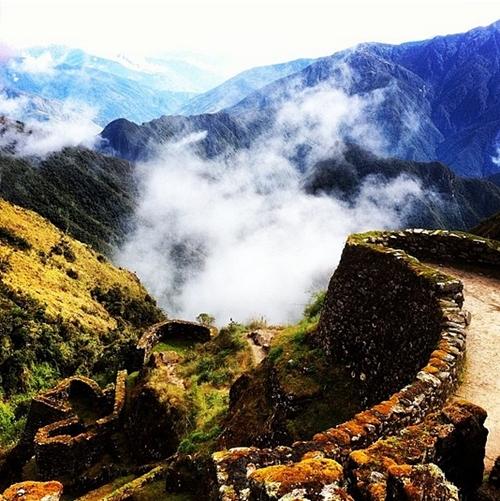 Khu di tích cổ Machu Picchu là thành phố trung tâm của nền văn minh Inca cổ đại, một trong những điểm du lịch hàng đầu ở Peru.