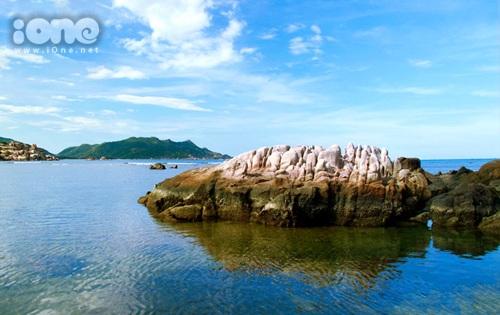 Vẻ đẹp hoang sơ tại Bình Ba trong một ngày nắng ấm.