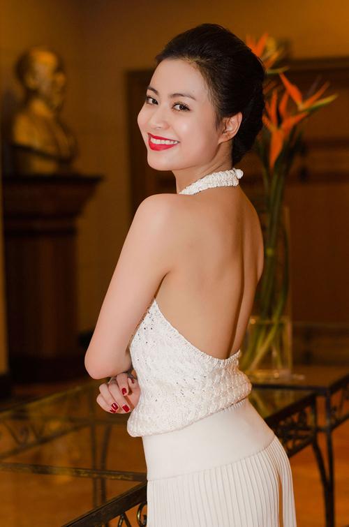 Hoang-Thuy-Linh-2-6033-1399634226.jpg