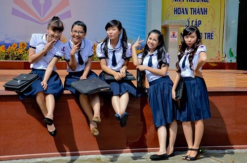 Hải Băng tham gia bộ phim truyền hình Đường hoang lạc bước với vai Châu Anh, một cô học sinh phổ thông trung học thông minh, giỏi giang nhất trường. Cô rất xinh đẹp quyết đoán và khẳng khái nên được rất nhiều thầy cô, bạn bè yêu thương.