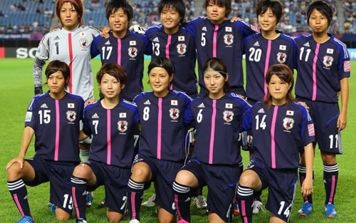 Cách đây 2 năm, Ayu Nakada đã cùng đồng đội giành huy chương đồng tại Giải Bóng đá nữ U20 Thế giới được tổ chức ngay trên sân nhà. Ayu Nakada còn đạt rất nhiều thành tích cao ở các giải đấu trong nước và khu vực.