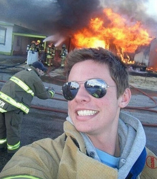 stupid-selfie-4815-1400729187.jpg