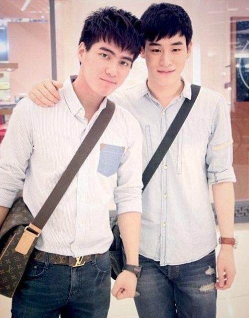 Gun và Theo là cặp đôi có số lượng fan khá đông đảo không chỉ ở Thái Lan mà còn ở một số nước trong khu vực Đông Nam Á. Cặp đôi này gây ấn tượng bởi những clip và hình ảnh dễ thương về cuộc sống đời thường được cập nhật thường xuyên trên các trang mạng xã hội của họ.