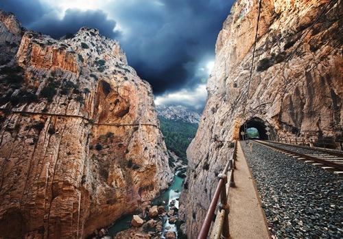 """""""Caminito del Rey"""" là những tuyến đường đi bộ nguy hiểm nhất thế giới bởi thiếu sự đầu tư cơ sở hạ tầng."""