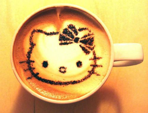 Cốc latte cho tín đồ cà phê.