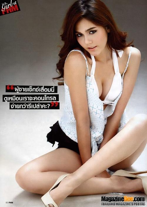 Sinh năm 1981, Chompoo mang trong mình ba dòng máu Thái  Lào  Anh, sở hữu nhan sắc tuyệt vời cùng chiều cao lý tưởng. Bước chân vào ngành giải trí bằng nghề người mẫu, Chompoo nhanh tróng để lại ấn tượng sâu sắc trong mắt công chúng.