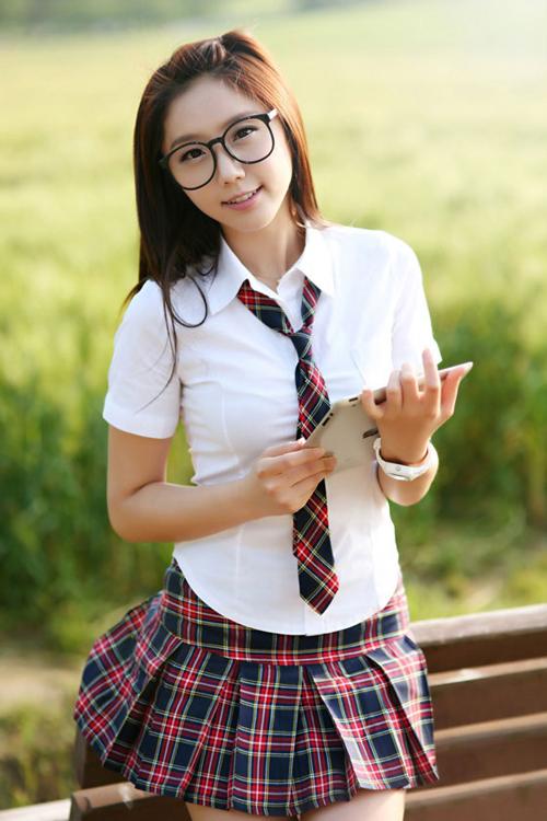 School-Girl-Kim-Ha-Eum1-1375-1403855546.