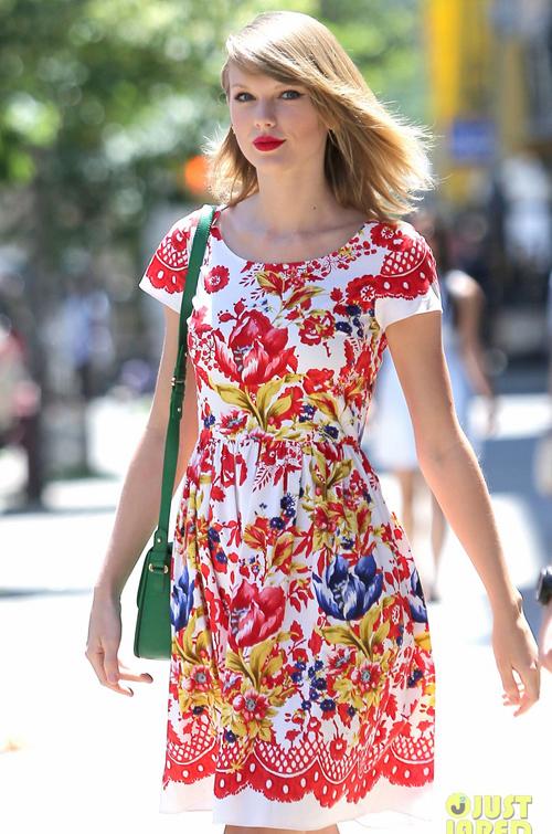 taylor-swift-wildflower-dress-3245-9741-