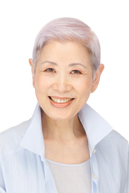 Bà Chizu với thần thái trẻ trung và làn da bóng khoẻ ở tuổi 72