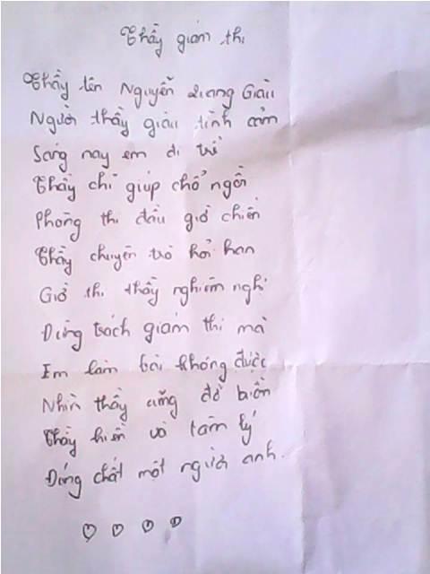 Nữ sinh làm thơ tặng thầy giám thị trên giấy nháp.