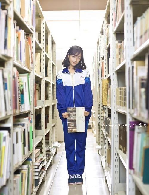 """Cuộc bầu chọn """"nữ sinh mặc đồng phục đẹp nhất"""" do trang Sina tổ chức. Cao Tình giành ngôi quán quân với 27.756 phiếu bầu."""