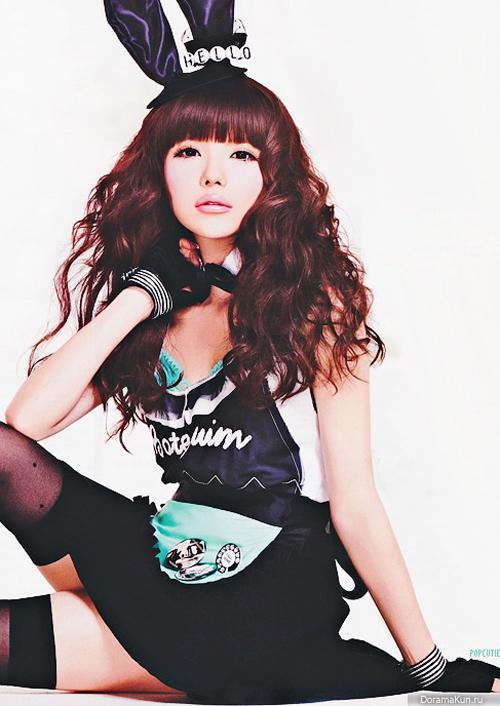 Tsubasa là một người mẫu, fashion icon đình đám của xứ hoa anh đào. Phong cách Gyaru sành điệu nữ tính là lựa chọn của cô. Tsubasa còn được những tín đồ Gyaru và người hâm mộ gọi bằng nickname chị Thỏ vì thường xuyên xuất hiện trong hình ảnh thỏ bunny dễ thương, quyến rũ.