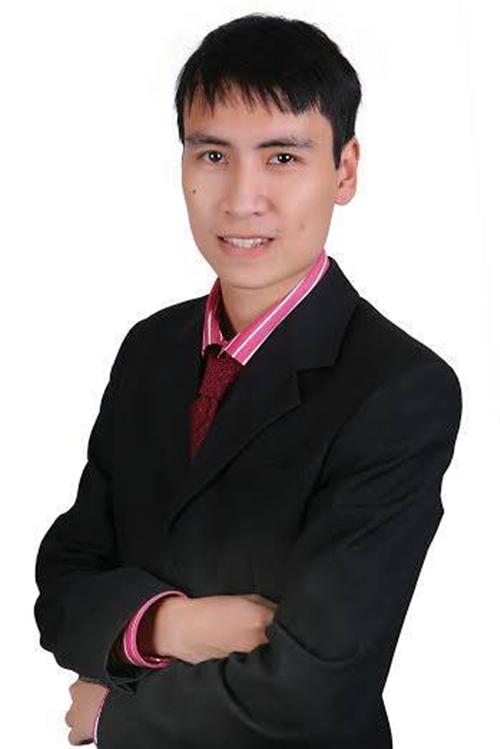 Toàn Shinoda là cái tên được đông đảo bạn trẻ Việt biết đến và giành nhiều tình cảm yêu mến. Chàng vlogger này tên thật là Trần Vũ Toàn (1987) và là một cựu du học sinh Mỹ gây ấn tượng qua loạt vlog đình đám. Toàn Shinoda ra đi đột ngột vào đêm 24/7 khiến nhiều người ngỡ ngàng, nguyên nhân vẫn chưa được làm rõ.