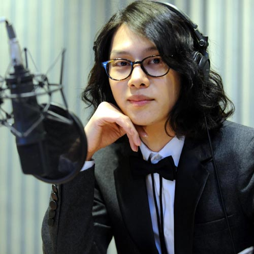 Handsome-Korean-singer-Kim-Hee-7683-3100