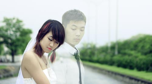 Trước đó, tác giả Nguyễn An cũng cho ra đời bộ ảnh siêu thực về chàng trai tý hon gây chú ý.