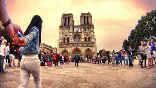 Nhà thờ Đức Bà Paris.