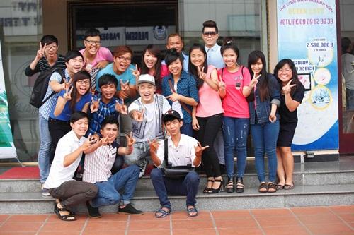 Ung-Hoang-Phuc-va-fan-ham-mo-2281-140732