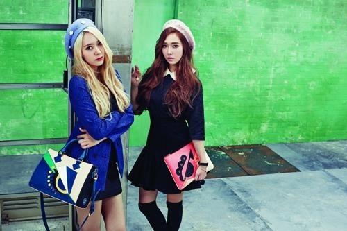 Jessica-and-Krystal-Lapalette-5456-5587-