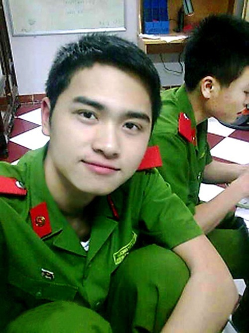 hot-boy-canh-sat-1-6108-1407983898.jpg