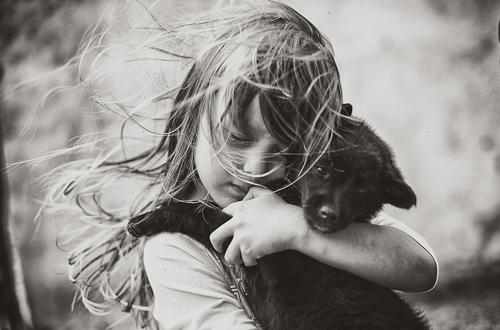 Về quê chơi là dịp các cô cậu bé hiểu thêm về nông thôn bình dị, thêm yêu thiên nhiên và các loài động vật.